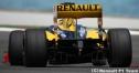 ルノーとメルセデスGPもヨーロッパGPでレッドブル流エキゾースト採用 thumbnail