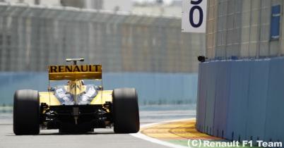ルノー、イギリスGPでもFダクト投入できず thumbnail