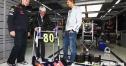 レッドブル、F1界のボスにユーモアたっぷりな誕生日プレゼント thumbnail