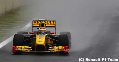 ビタリー・ペトロフ「明日はいいレースをできる」/ブラジルGP2日目 thumbnail