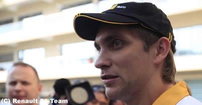 ロータス・ルノーGP首脳陣、2011年ドライバーについて大きなヒント thumbnail