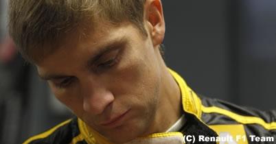 ビタリー・ペトロフは「最悪のドライバー」と元F1ドライバーが批判 thumbnail