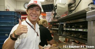 小林可夢偉、2011年のF1では「開幕戦からポイントを狙う」 thumbnail