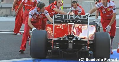フェラーリ F1 2011年 モノコックのクラッシュテスト合格 thumbnail