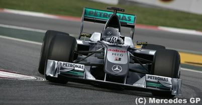 メルセデスGP、1月25日に2010年型車を発表か thumbnail